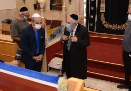 """רוני גמזו: """"צריך שיהיה קו אחיד בין המסעדות לבתי הכנסת"""""""