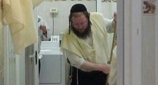 לא יאומן, הרבנים מנקים בעצמם