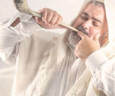 """שמעון סיבוני באלבום חדש: האזינו ל""""אדון הסליחות"""""""