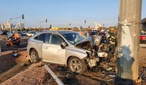 נהג רכב פרטי התנגש בעמוד תאורה - ונפטר