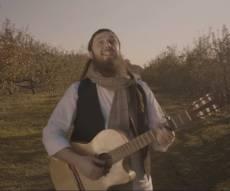 """יוסף ניוקם בסינגל קליפ חדש - """"בורא"""""""