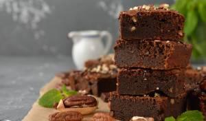 עוגת שוקולד ופקאן עשירה ועסיסית