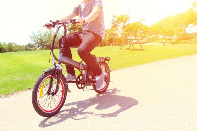 האכיפה נגד רוכבי אופניים חשמליים נסקה