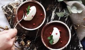 מוס שוקולד ואבוקדו - להשאיר את המצפון מאחור: מוס שוקולד ואבוקדו