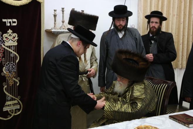 שמחת בית בערגסאז - תולדות אברהם יצחק