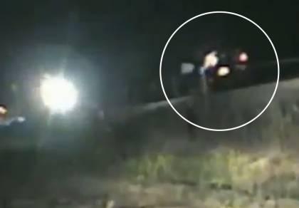 השוטר זינק והציל את הנהג מהרכבת • צפו