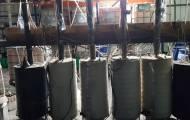 """חלק מהציוד במזקקה הגדולה - מג""""ב חשף מפעל ענק לייצור אלכוהול מזויף"""