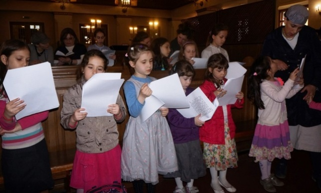 מוסקבה: תפילת הילדים על החטופים