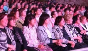 מה קורה כשיש יותר נשים מגברים בבית הכנסת