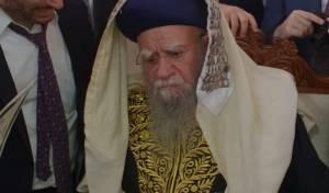 תיעוד: זקן הראשונים לציון סנדק בסוכתו