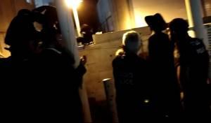 """השוטר התפרץ: """"הלוואי שתתחשמלו"""" • צפו"""