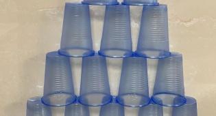 לא תאמינו מה אפשר לעשות עם 600 כוסות