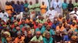 חלק מהנערות ששוחררו - 76 נערות בית ספר שוחררו מהשבי בניגריה
