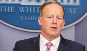 """שון ספייסר על היטלר ושימוש בגז - דובר הבית הלבן: """"היטלר לא השתמש בגז"""""""