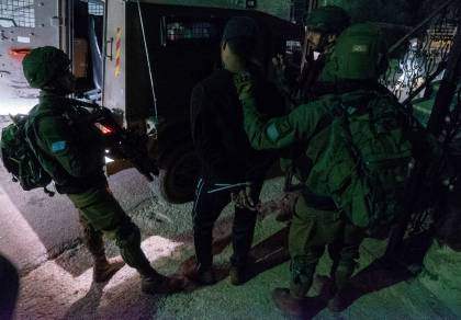 """צפו: לוחמי צה""""ל במעצר מחבלים מכביש 60"""