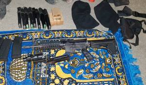 יחידת המסתערבים תפסה נשק רב בבית • צפו