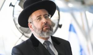 """הרב הראשי: 'אין היגיון בהגבלות על בתיכ""""נ'"""