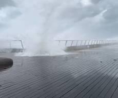 כך נראתה הסערה החורפית בנמל תל אביב