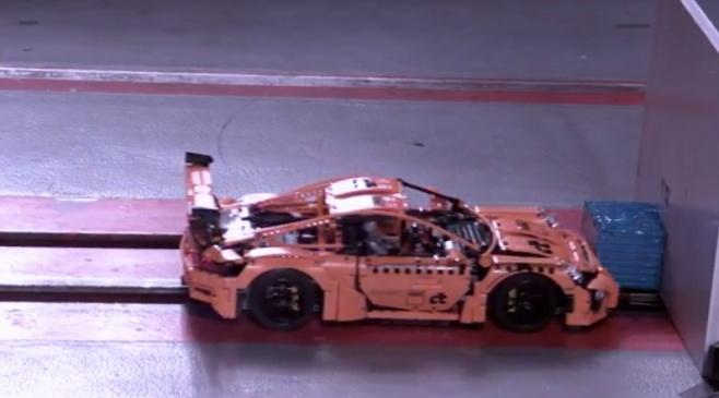 מבחני ריסוק של רכב פורשה GT3 מ... לגו