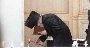 מעמד הדלקת נרות חנוכה בחצר הקודש זוטשקא