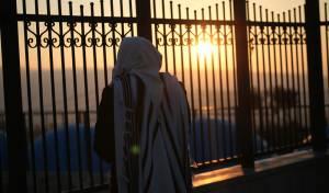 כמו בסיפורים: הגיעו לבית הכנסת ב...נעילה