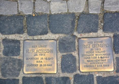 אבי זיכרון במדרכות ברלין - ברלין: אבני זיכרון לקורבנות הנאצים  נגנבו