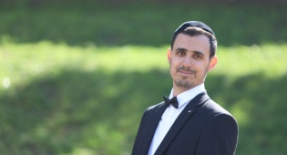 """ישראל בן חמו במחרוזת חדשה: """"עונג"""""""