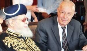 """עו""""ד דוד גלס לצד מרן הגר""""ע יוסף זצ""""ל"""