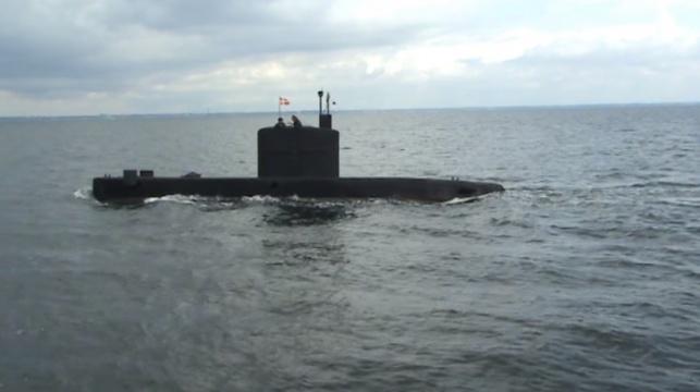 הצוללת בלב ים
