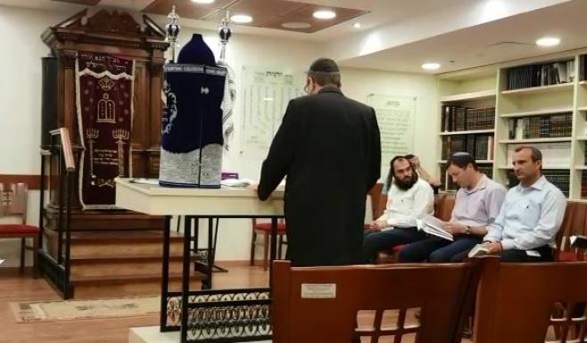 גפני קרא את ההפטרה בבית הכנסת בכנסת