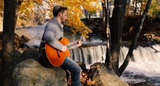 איצי גילדן בסינגל קליפ לזכר אביו שנפטר
