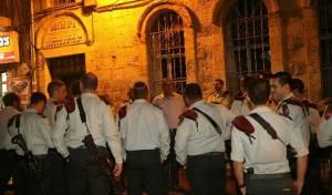 תיעוד: הצנחנים סיירו בבירה ואמרו סליחות