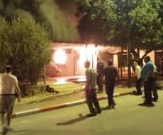 שריפת בית הכנסת - ספרי התורה שנשרפו יקברו בהלוויה כואבת