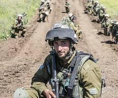 """חיילי צה""""ל באימונים. אילוסטרציה - הקצין שהודח כי דאג לחייליו איבד את אחותו"""