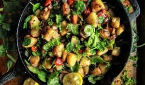 תפוחי אדמה מוקפצים עם גמבה ופטריות