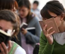 אילוסטרציה. למצולמות אין קשר לנאמר - רוב תלמידות הסמינרים - עשו מבחני בגרות