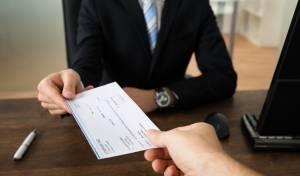 בניגוד לחוק: בנקים ביטלו הפקדות של צ'קים