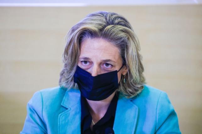 """ראש שירותי בריאות הציבור, הד""""ר שרון אלרעי פרייס. מפנה את האשמה אל שר האוצר, אביגדור ליברמן"""