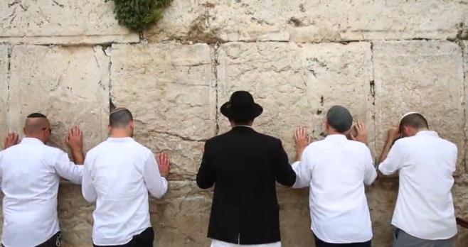 להקת 'נושאי הכלים' במחרוזת ליום ירושלים