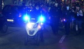יריקה על מפגינה בתל אביב נענתה בתקיפה