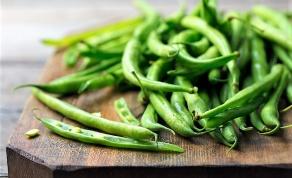 השוק מלא בשעועית ירוקה טרייה, נצלו אותה