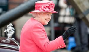 המלכה אליזבת התפייסה עם הנסיך שפרש