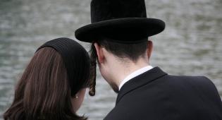 אילוסטרציה - אחרי מוגרבית: חברי הכנסת יילמדו... אידיש