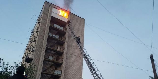 שריפה בבנין רב קומות באומן; 8 נפצעו קל