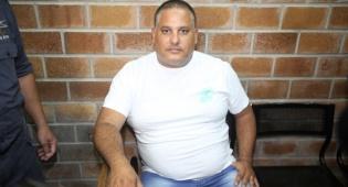 אלון חסן, ארכיון