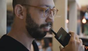 מי אמר שהסמארטפון לא ממכר... - התמכרנו: אפל מציגה סיגריה אלקטרונית חדשה