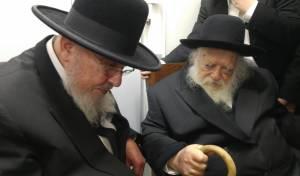 """הגר""""ח והגרב""""מ - ביקור חג: הרב אזרחי בבתי גדולי ישראל"""