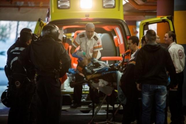 הפצוע מובהל לבית החולים שערי צדק