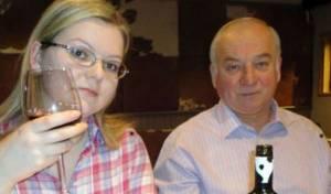 יוליה עם אביה סרגיי סקריפל