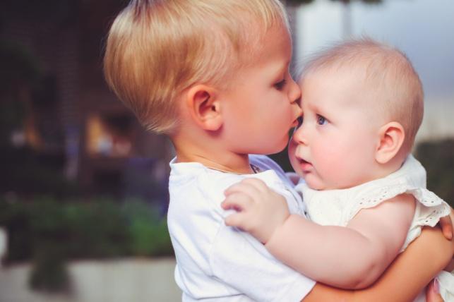 איך להכין ילד להולדת אח קטן? הנה 5 דרכים
